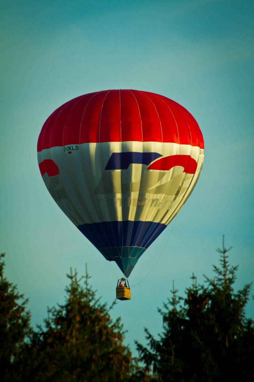 Ballon am Abendhimmel